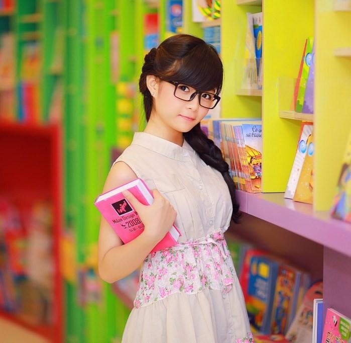 Hình ảnh gái sinh viên xinh đẹp đáng yêu