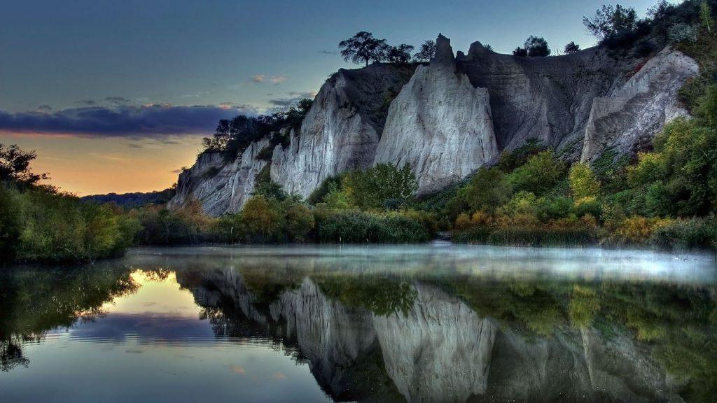Hình ảnh thiên nhiên đôi núi và sông nước đẹp