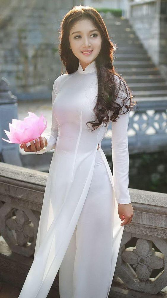 Hình ảnh gái xinh cùng áo dài
