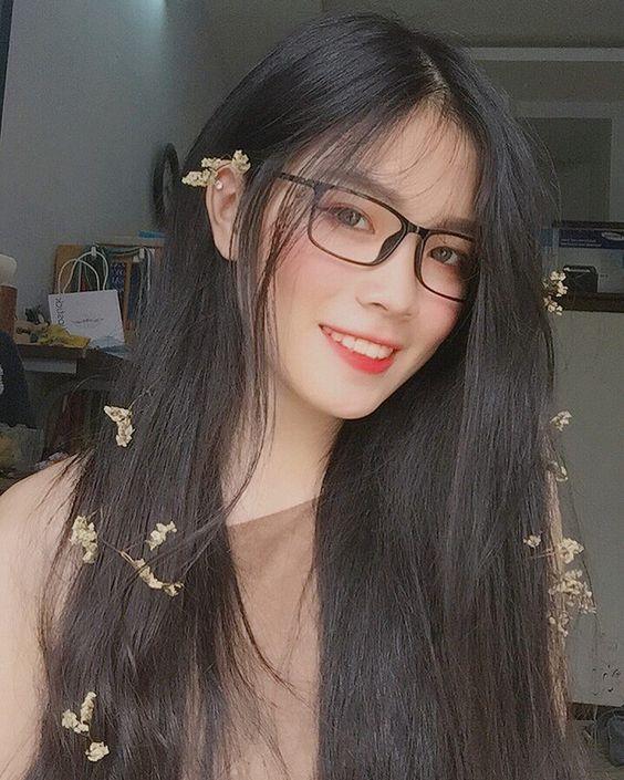 Hình ảnh gái xinh đeo kính đẹp