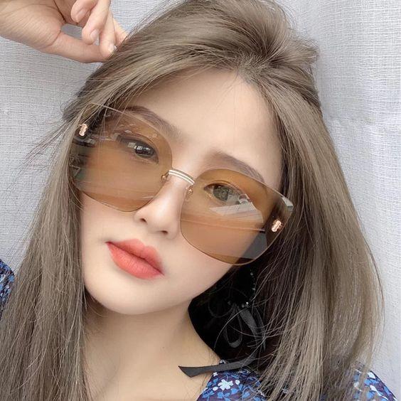 Gái xinh đeo kính sang chảnh