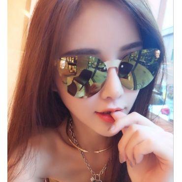 Hình ảnh gái xinh đeo kính mát đẹp