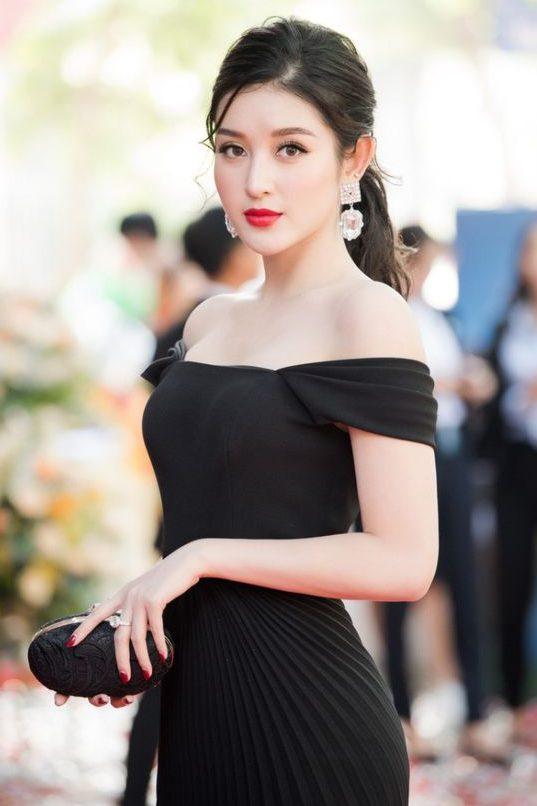 Hình ảnh gái xinh mặc áo trễ đẹp nhất