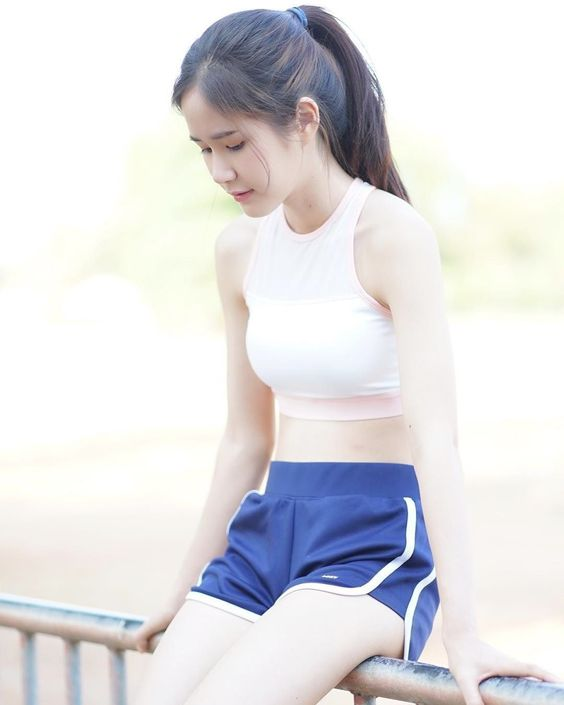 Hình ảnh gái xinh tập gym đẹp