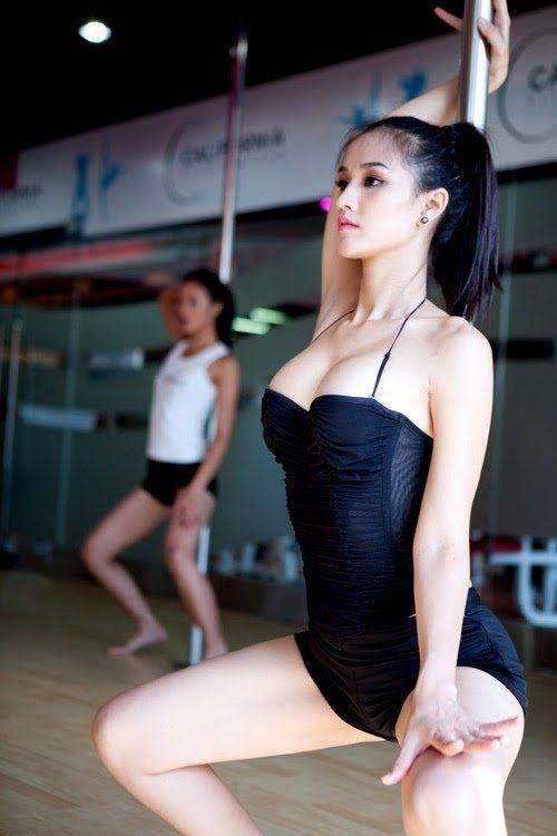 Hình ảnh gái xinh tập gym dáng đẹp