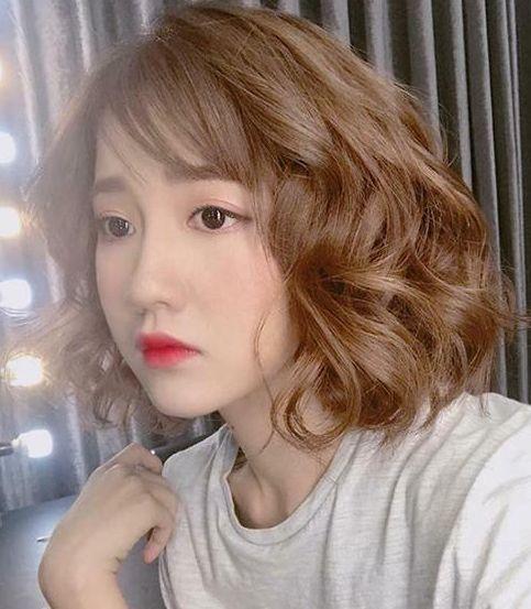 Hình ảnh gái xinh tóc ngang vai 2k3