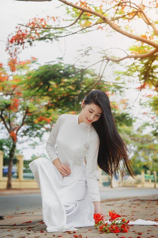 Hình nền điện thoại gái xinh mặc áo dài trắng đẹp
